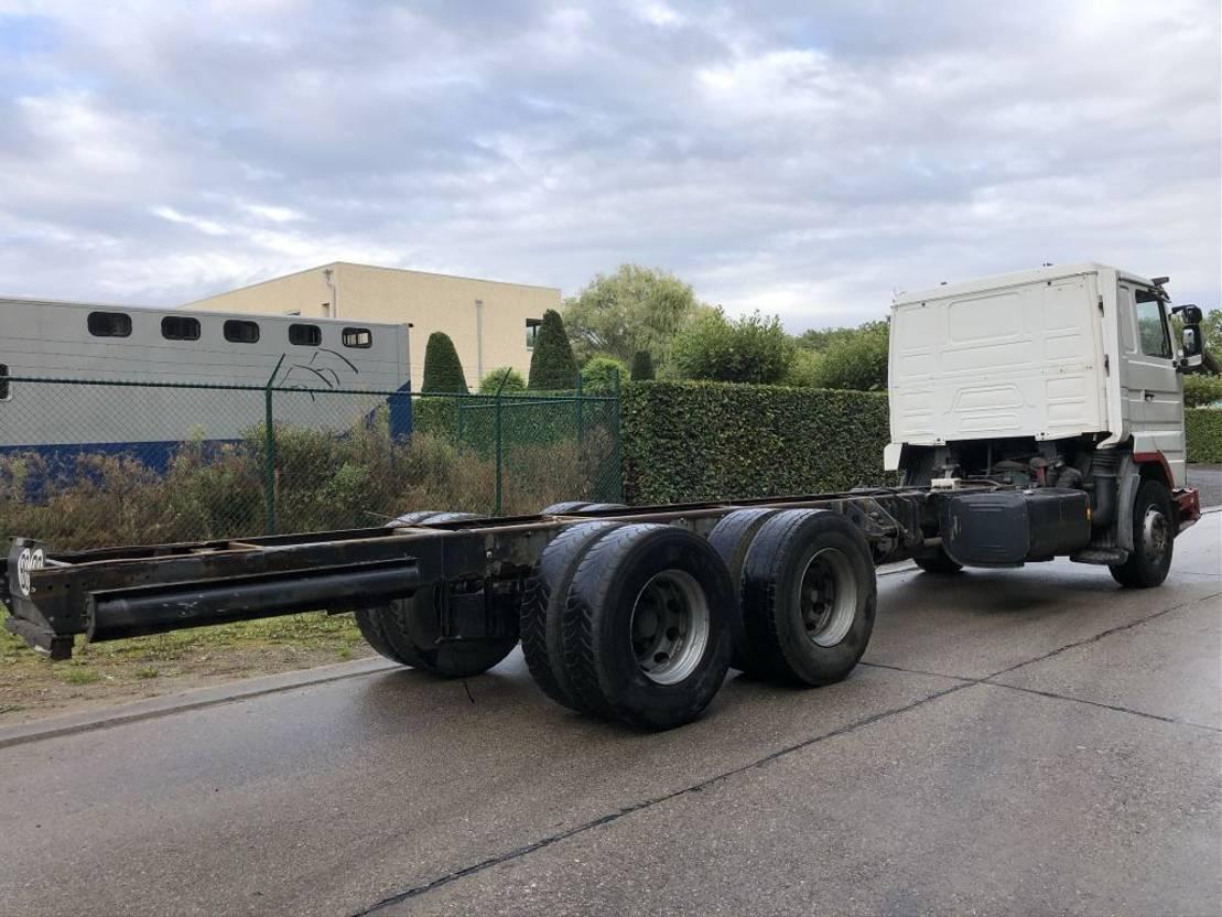 chassis cabine vrachtwagen Scania R113 6x2     10 Tyres