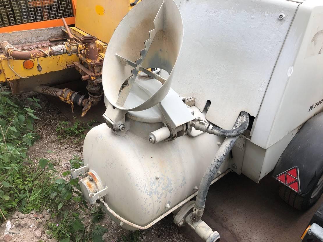 betonpomp vrachtwagen Putzmeister MBM M740 2015