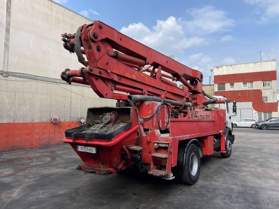 betonpomp vrachtwagen Mercedes-Benz SK 1722 Putzmeister modelo BRF 26.09