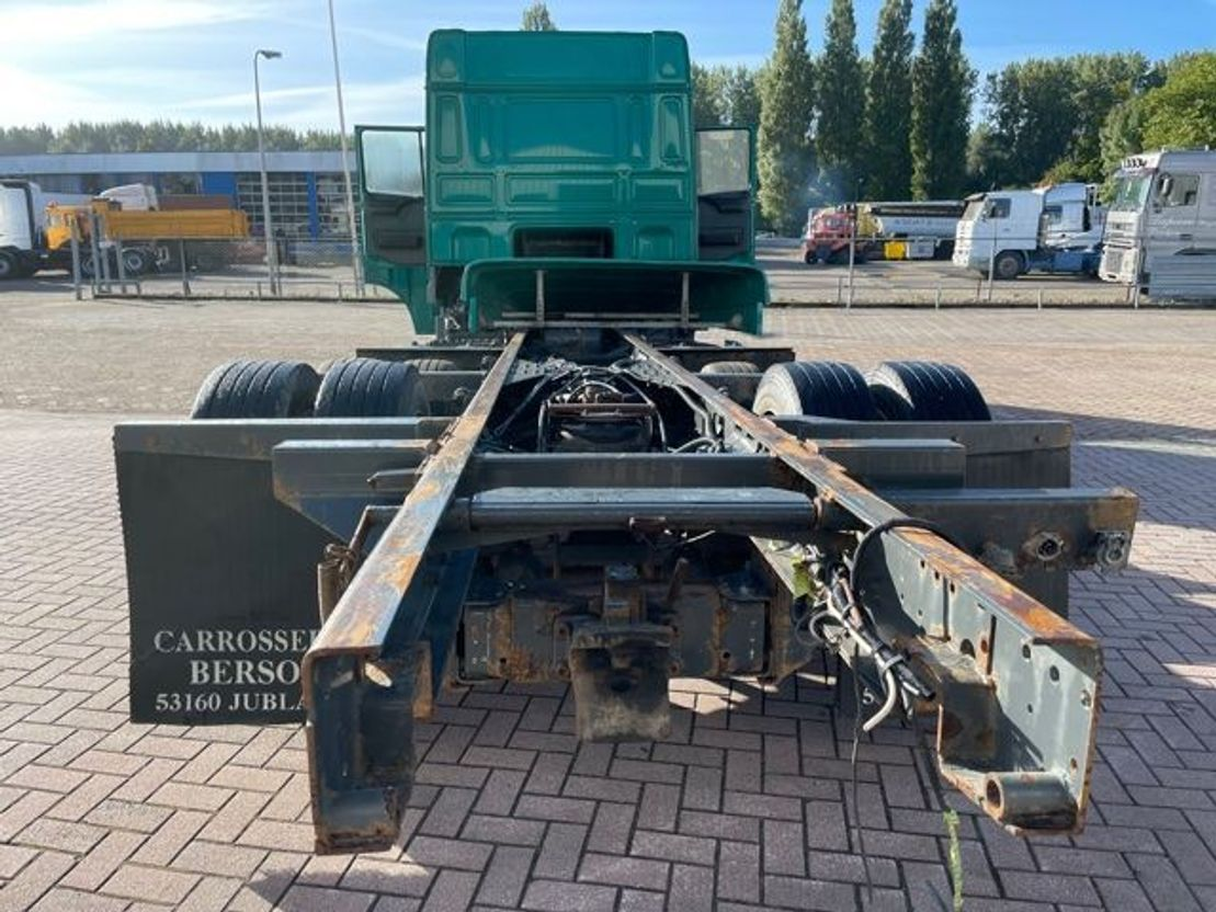 chassis cabine vrachtwagen DAF XF 95 Manual  6x2 euro 3 2004