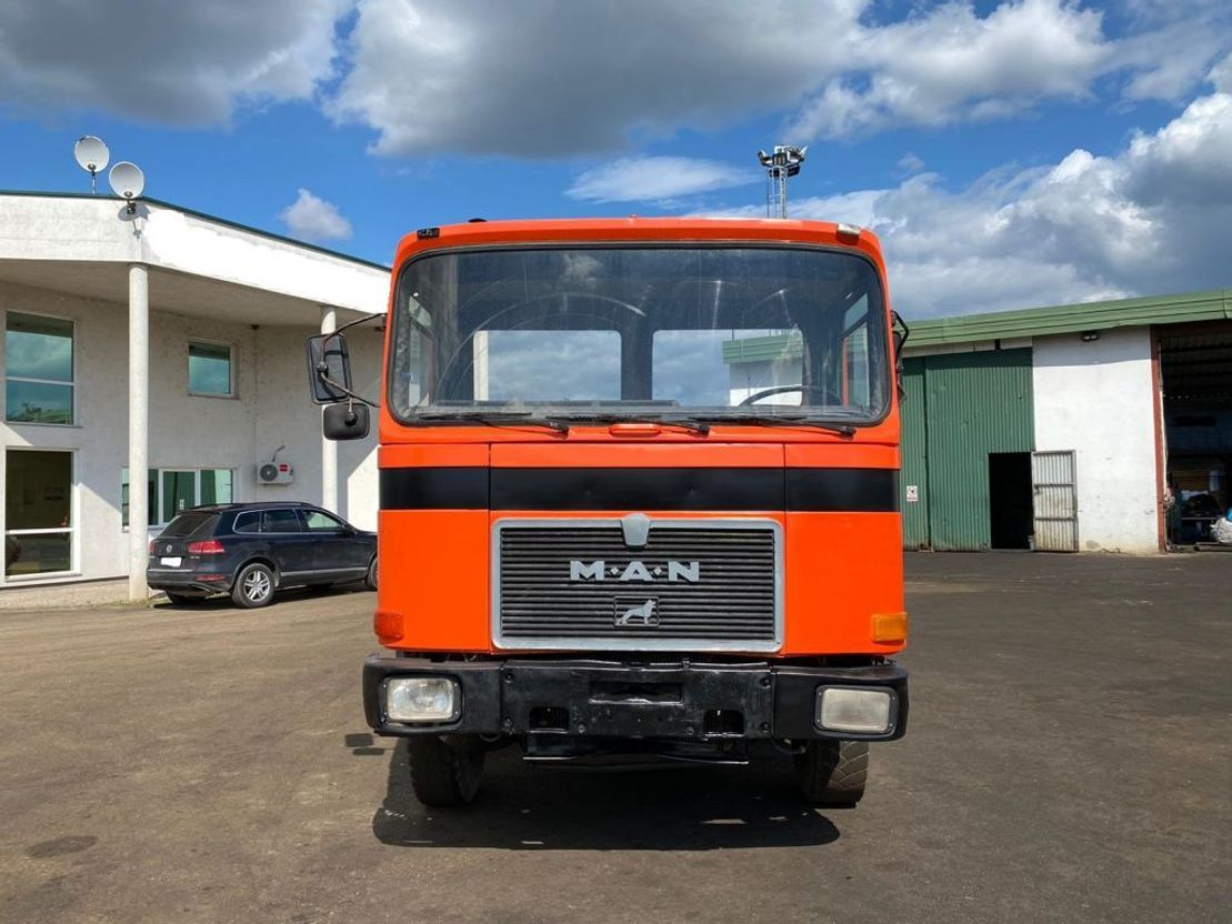 chassis cabine vrachtwagen MAN 30.291 8x4 Chassis 1987