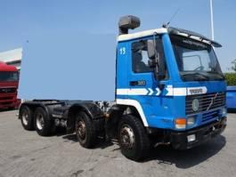 chassis cabine vrachtwagen Volvo fl10-320 pk 8x4 bick axels