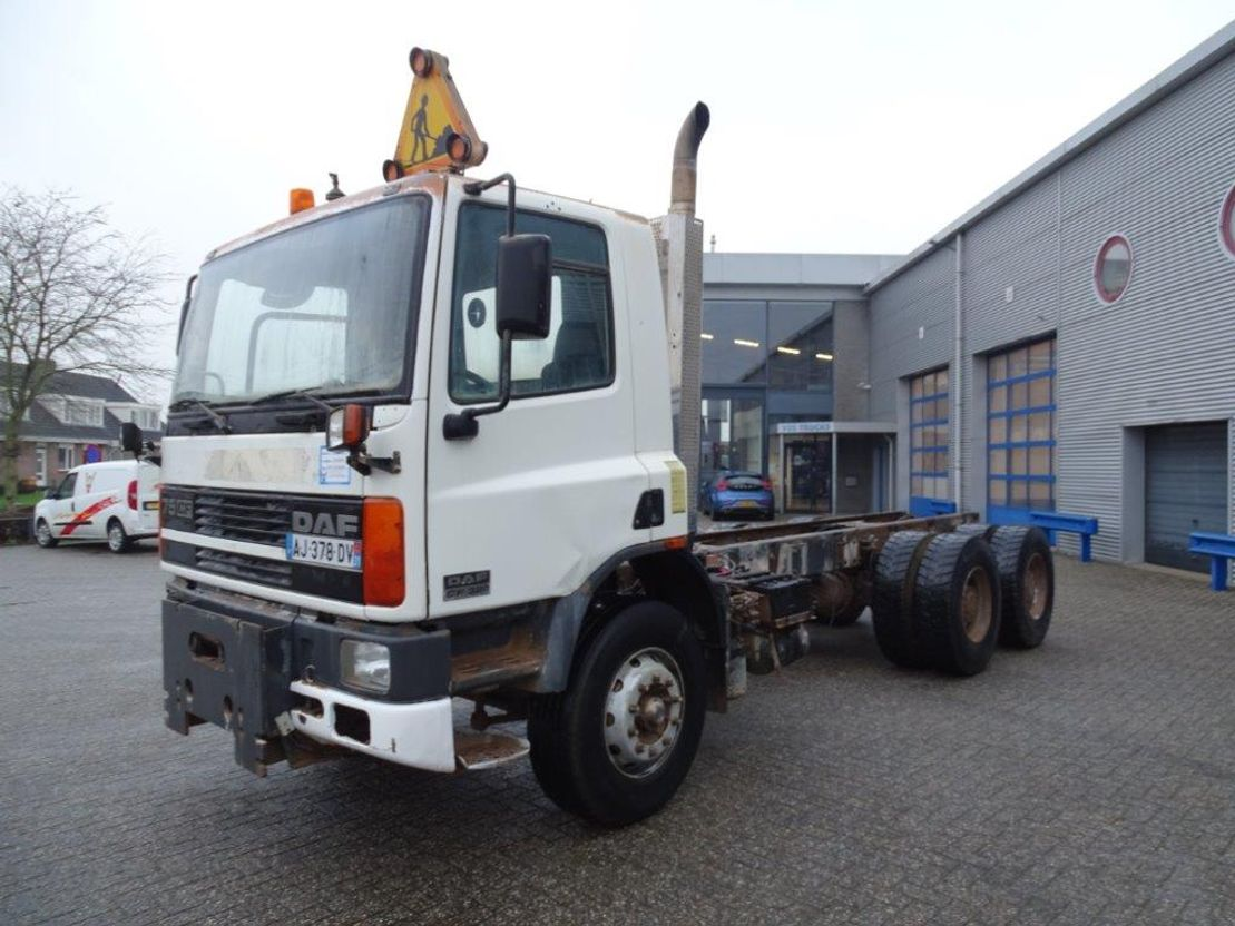 chassis cabine vrachtwagen DAF CF 75 -320 / 6X4 / MANUAL / FULL STEEL / DAY CABIN / 2001 2001