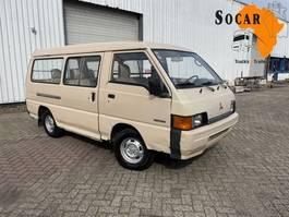 taxibus Mitsubishi L300 2.5 LONG WHEEL BASE  (9 seats) 1988