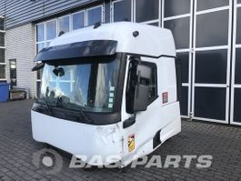 cabine - cabinedeel vrachtwagen onderdeel Renault Renault T-Serie High Sleeper Cab L2H3 2014