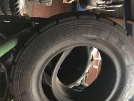 banden equipment onderdeel Michelin 225/75R15  28X9R15