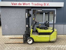 vorkheftruck Clark CTM20 Heftruck Clark CTM20 Duplo 330 Freelift/Sideshift elektrisch 2000