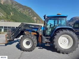 standaard tractor landbouw New Holland TM155 2007
