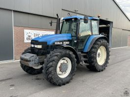 standaard tractor landbouw New Holland 8360 Range Command 1998