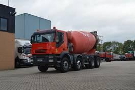 betonmixer vrachtwagen Iveco Trakker 380 * 8X4 * 9 M3 * EURO5 * MANUAL * 2007