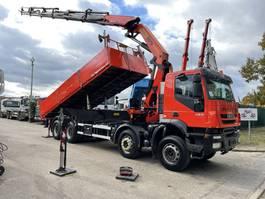 kipper vrachtwagen Iveco Trakker 450 8x4 + KRAN Palfinger PK36002 E (6x) + RADIO + 5e & 6e Functie - KIPPER 6m75 - EURO 5 2008