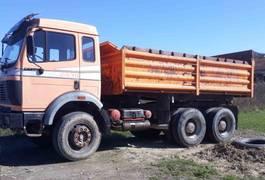kipper vrachtwagen Mercedes-Benz SK 2435 6x4 meiller tipper 1989