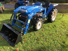 standaard tractor landbouw Iseki TA267 met frontlader